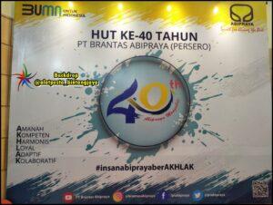 Sewa Meja Bulat dan Backdrop Event Pt Brantas di Jakarta